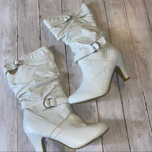 Kalli white buckle boots size 10 new without box